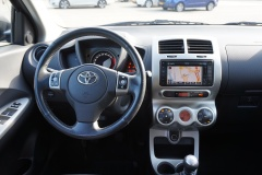 Toyota-Urban Cruiser-7